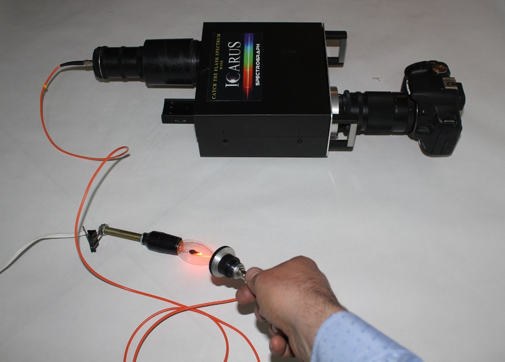 Astronomical spectrograph transformed into a Fiber spectrograph
